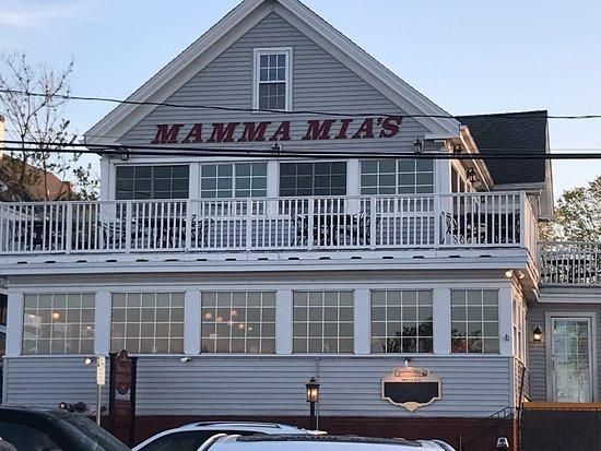 Mamma Mia's Restaurant: Front entrance