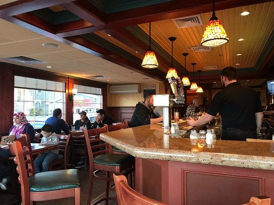 Mamma Mia's Restaurant: Bar area