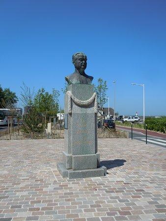 Monument Eugene Cornuche