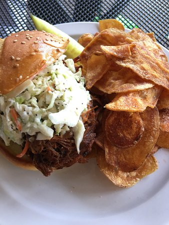 Boathouse Forest Park: Sugarfire pulled pork sandwich with homemade chips