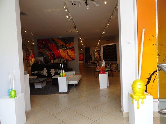 Palm Desert, CA: The signature tootsie roll pops greet visitors