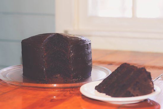 Harbourview Restaurant: Triple layered, double chocolate cake!