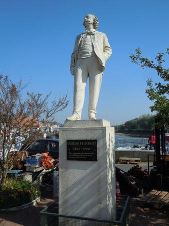 Trouville, Francia: La statue