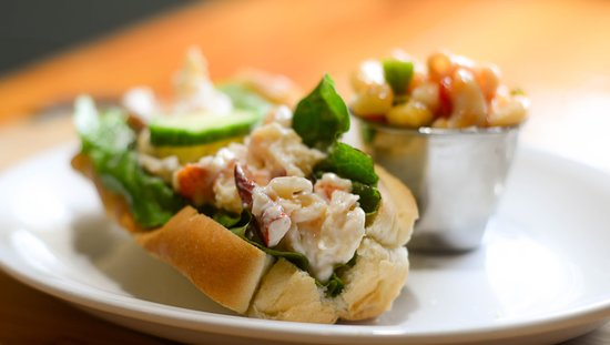 Harbourview Restaurant: Lobster Roll!