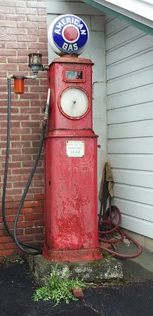 Red Hook, NY: Nostalgia at the pump!
