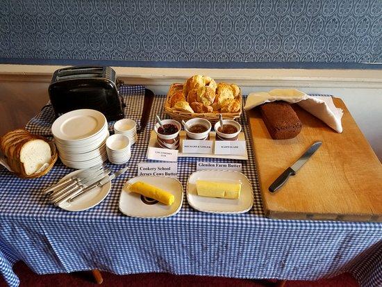 Shanagarry, Ireland: Breakfast spread