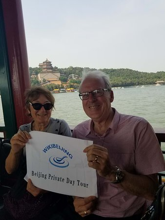 WikiBeijing: Lovely couples from New Zealand on the Dragon Boat inside Summer Palace