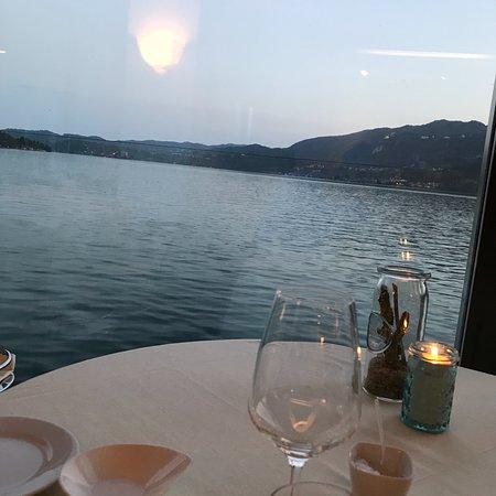 Nachtessen am See