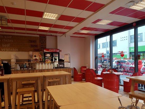 Noodle Station: Inside