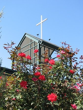 Брэнсон, Миссури: Our bell tower as seen from the garden.