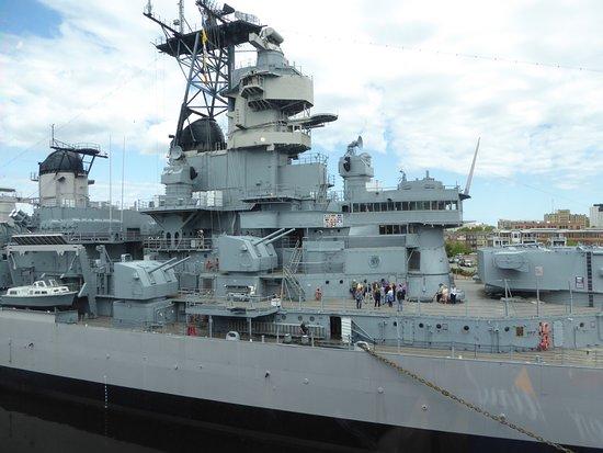 Main Deck - Picture of Battleship Wisconsin, Norfolk
