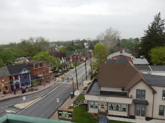 1863 Inn of Gettysburg: Day view from side belcony
