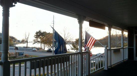 The Harbor House Inn Photo