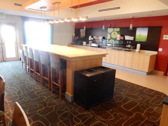 La Quinta Inn & Suites North Platte: Breakfast room
