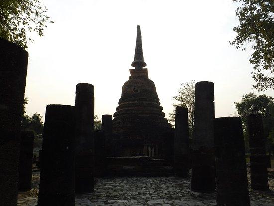 วัดช้างล้อม: Wat Chang Lom