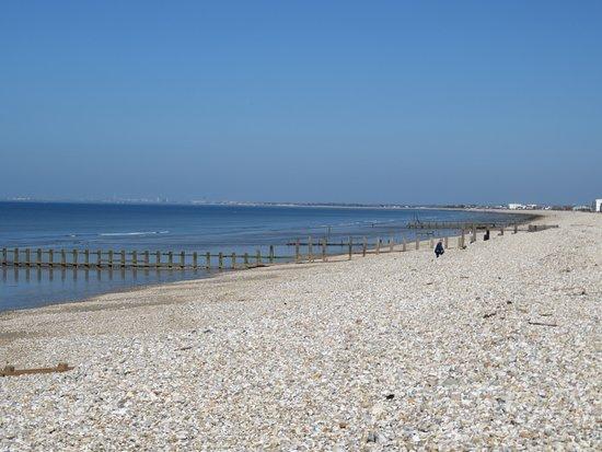 Earnley, UK: Beach 10 minutes away