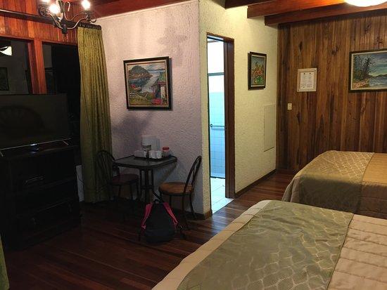 Hotel Fonda Vela: Television
