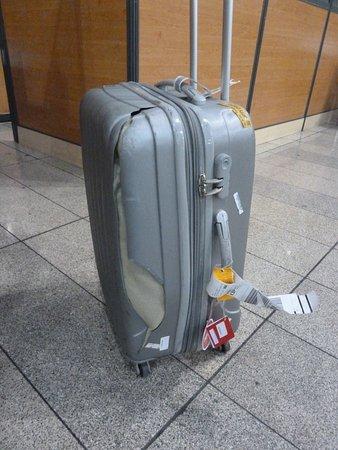 Ukraine International Airlines: Gepäck Totalzerstörung