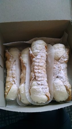 Orange, CT: Large cannoli