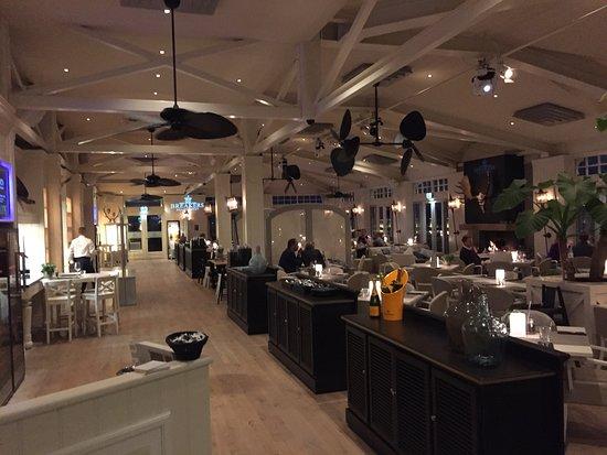 Breakers Beach House: salle de restaurant