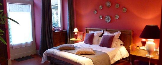 chambre Bois de rose - Picture of Val de la Nef, Joux-la ...
