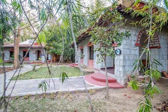 Entrance - Picture of Jungle King Resort, Kanha National Park - Tripadvisor
