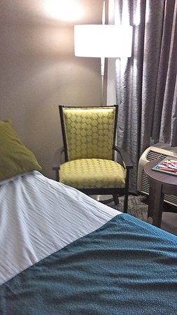 Best Western Center Inn: New color scheme in my room! All new stuff, including freshly painted.