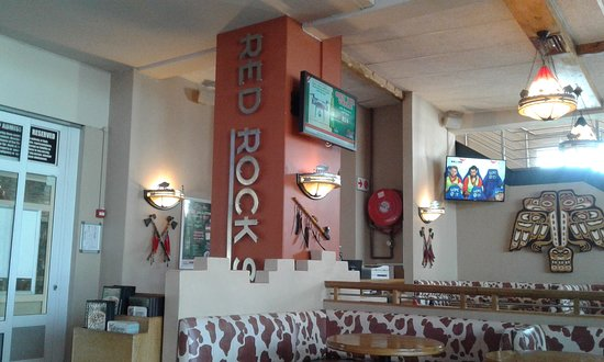 Red Rock Spur Steak Ranch: Waiting to be seated, near the entrance