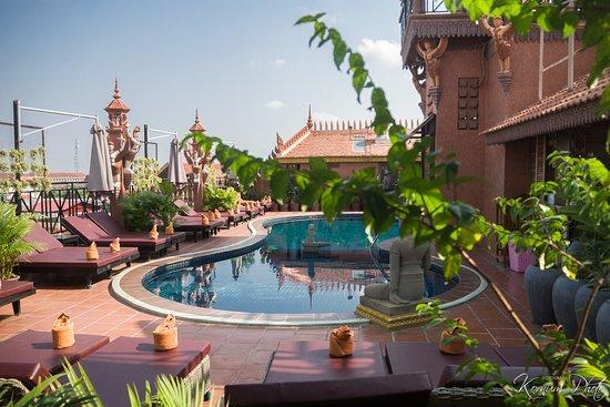 Okay 1 Villa: Pool arear, seen from the breakfast restaurant