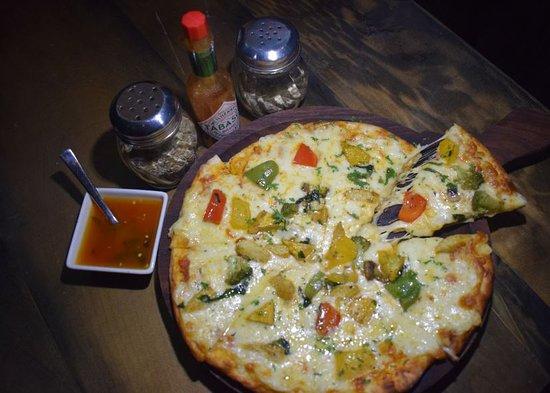 Midtown Bar & Lounge: Pizza