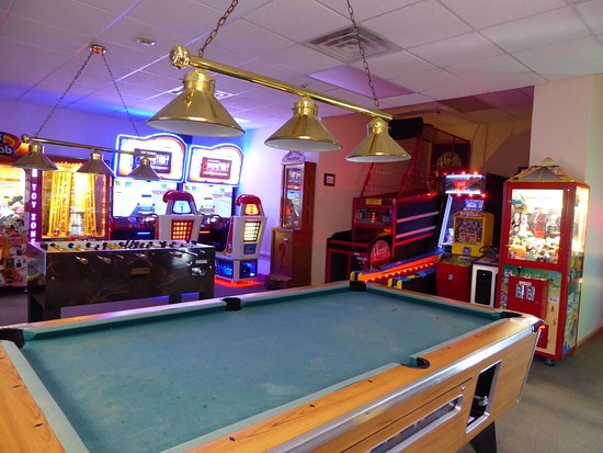Elkhart Lake, WI: Arcade Center in Hotel