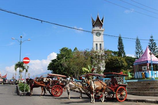 Bukittinggi Clock Tower: jam gadang