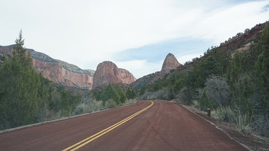 Kolob Canyons: The Scenic Road from Visitor Center to Parking