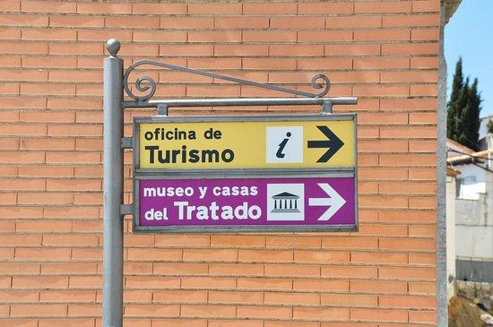 Street view.: fotografía de Museo del Tratado de Tordesillas ...