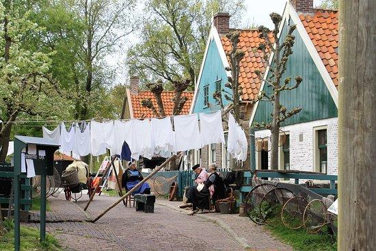Enkhuizen, Nederländerna: Simpler times