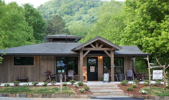 Little Arrow Outdoor Resort: Camp Store and Check-In/Check-Out Office