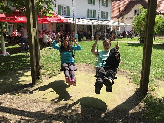 Restaurant de la truite champ du moulin: Até os graúdos se divertiram