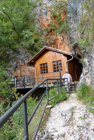 Drvar, Bosnia and Herzegovina: Muzej i Titova pećina