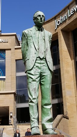 Donald Dewer Statue