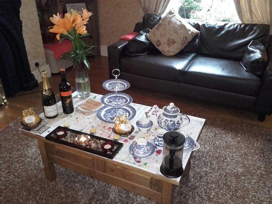 Donnybrook Hall Hotel: Teatime! :)