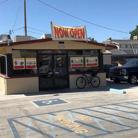Delano, كاليفورنيا: Elmer's Drive-In