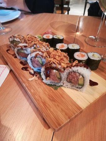 Restaurante Wagaya: Variados de maki y uramaki