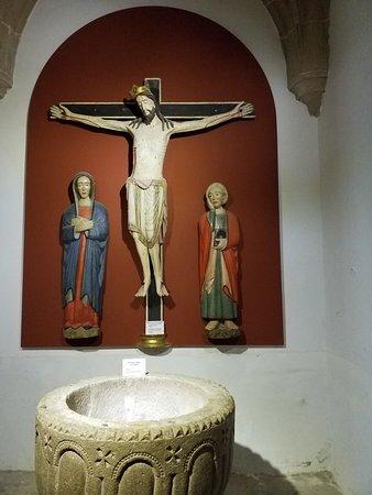 Iglesia Museo Santisima Trinidad: Cristo de los 4 clavos con la Virgen María y San Juan