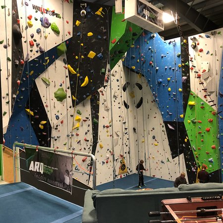 Cranbrook, Canada: An indoor climbing and child recreation center.
