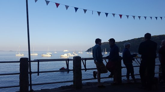 Kingsand, UK: A view of Cawsand Bay