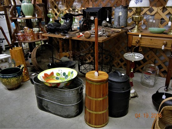 Bowling Green, KY: Variety of old or vintage items