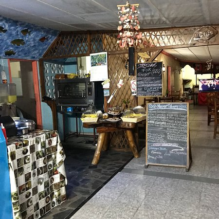Coco Rouge Take Away and Cafe: photo0.jpg