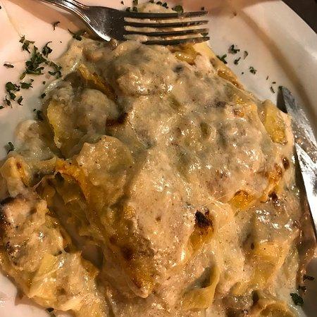 Ristorante Pizzeria Andrea e Licia: Local special, artichoke lasagna