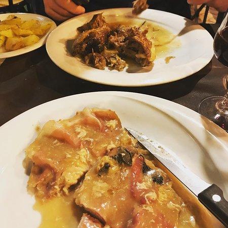 Ristorante Pizzeria Andrea e Licia: Secondi, lamb and saltimbocca