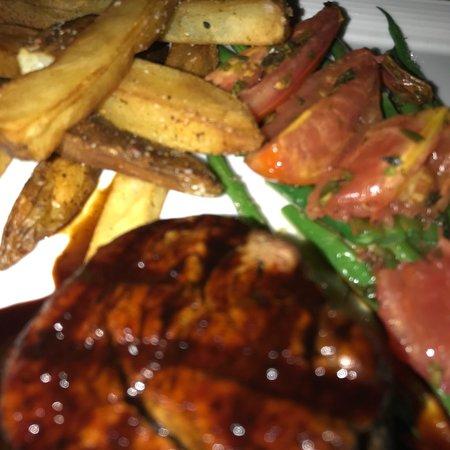 Roy's Restaurant: photo1.jpg